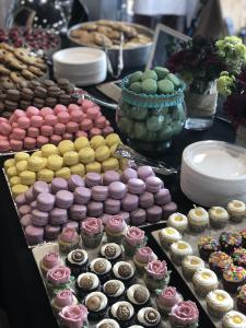 Dessert, dessert bar, macarons, cupcakes, cookies, wedding