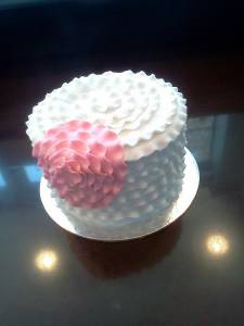 Mini cake, fondant cake, white cake, ruffle cake, denver, colorado
